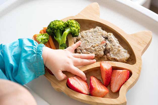 Có rất nhiều phương pháp để mẹ chế biến thức ăn dặm cho bé