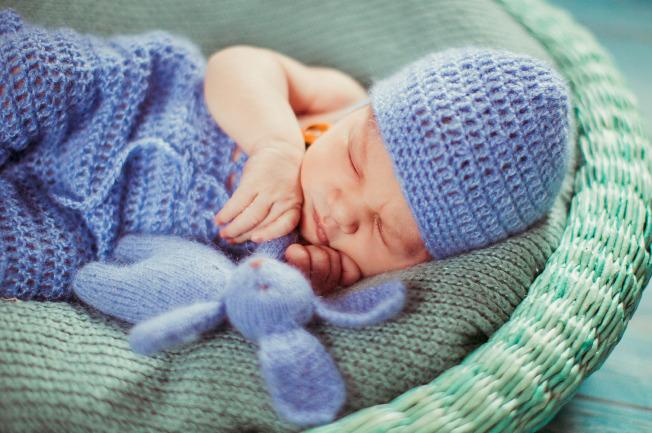 Tùy vào thể trạng và cơ địa của mỗi đứa trẻ, thời gian ngủ của mỗi bé sẽ là khác nhau
