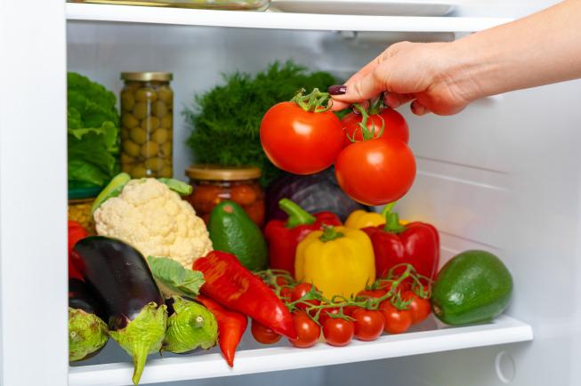 Đa số các mẹ bỉm thường sử dụng ngăn mát tủ lạnh để bảo quản đồ ăn
