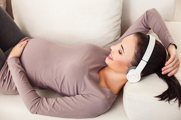 Nhạc Mozart cho thai nhi cũng được nhiều bác sĩ sử dụng để giúp các mẹ bầu điều trị chứng trầm cảm