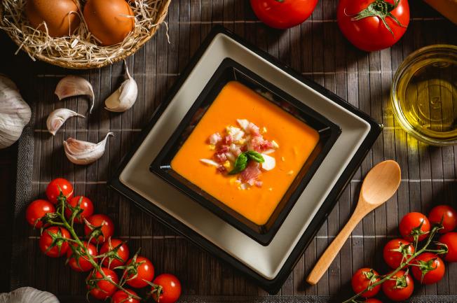 Món ăn canh trứng cà chua mẹ dễ làm, bé dễ ăn