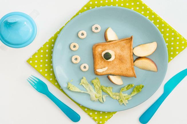 Cháo sữa bánh mỳ - Thực đơn ăn dặm cho bé 5 tháng