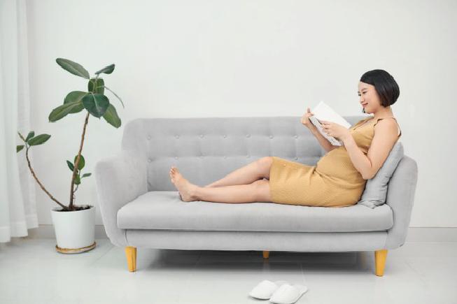 Nên đọc sách gì khi mang thai bắt đầu từ tuần thứ 18 của thai kỳ mẹ nhé!