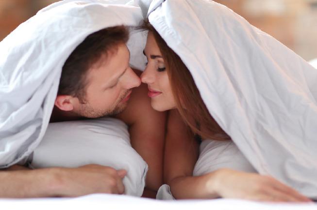 Quan hệ vợ chồng đúng cách sẽ không ảnh hưởng đến thai nhi