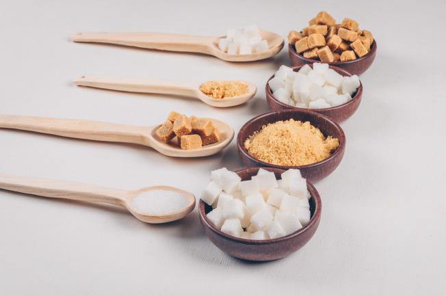 Mẹ cần hạn chế loại thực phẩm chứa nhiều muối và đường