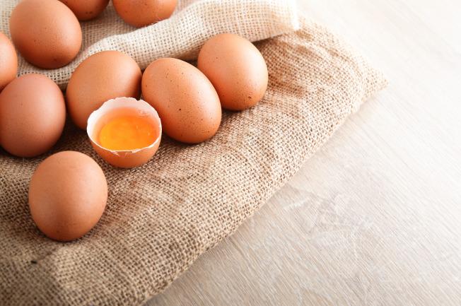 Cung cấp thực phẩm chứa nhiều protein cho bé