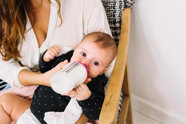 Các tính lượng sữa chuẩn cho bé