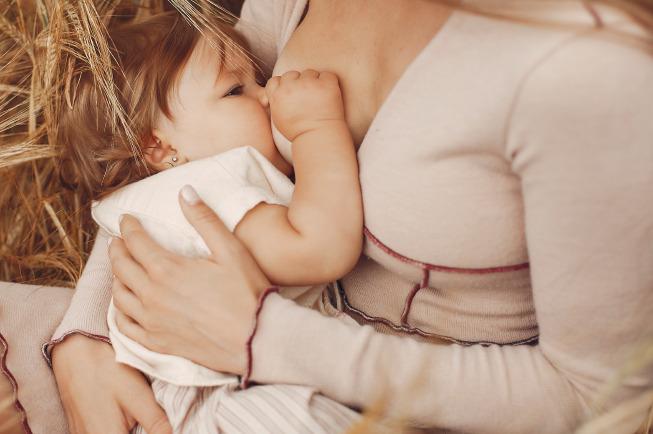 Trẻ ở tuần thứ 7 có sự thay đổi nhiều trong thói quen bú