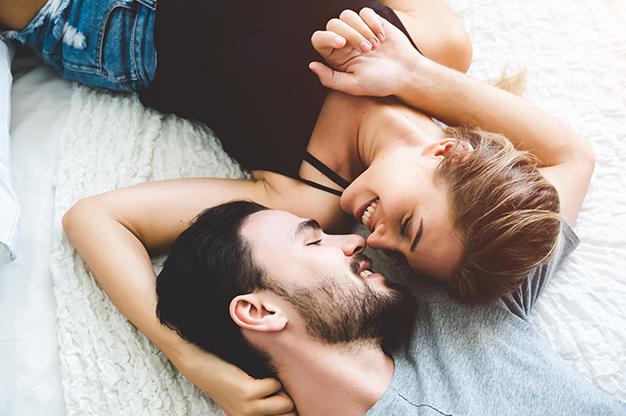 Quan hệ tình dục sẽ khiến tử cung co thắt do kích thích, điều này sẽ gây nguy hiểm cho mẹ và bé