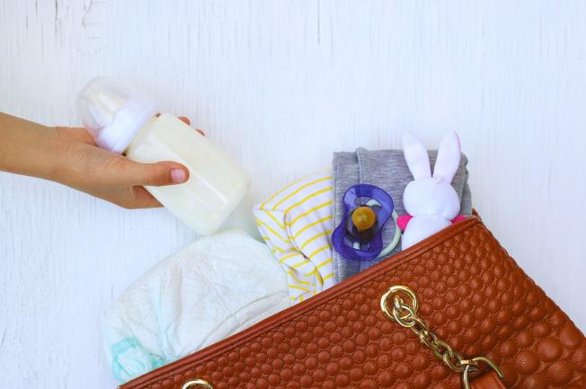 Chuẩn bị một số loại đồ sẵn phù hợp cho bé