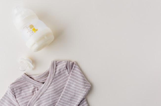 Trẻ sơ sinh bú ít lý do là gì?