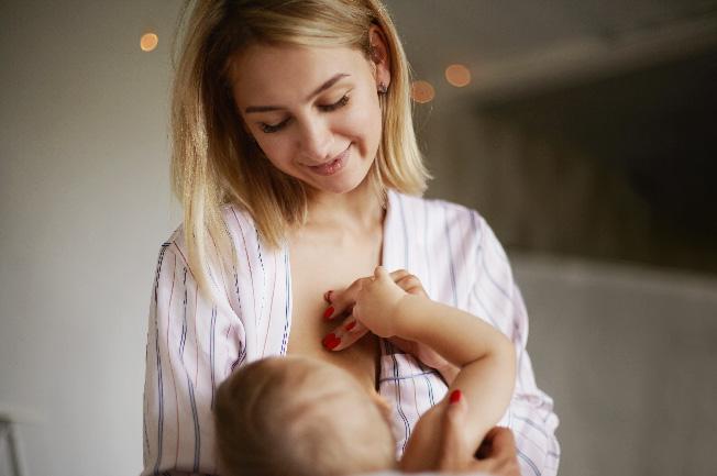 Trẻ 9 tháng uống bao nhiêu sữa mỗi ngày đảm bảo nhu cầu Lipid