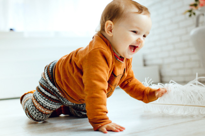 Ngoài việc quan tâm lượng sữa bé 3 tháng, cha mẹ cũng cần cho bé ngủ đủ giấc