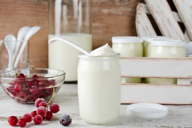 Một ly sữa nguyên chất 244ml có thể cung cấp tới 39% giá trị canxi cần thiết