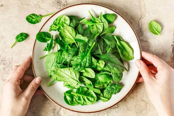 Các cách làm món ăn dặm cải bó xôi cực ngon mà đơn giản cho bé