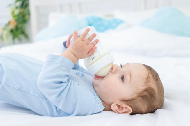 Trẻ trên 1 tuổi cần uống khoảng 300-500ml sữa mỗi ngày