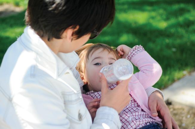Nếu tỉ lệ đạm có trong sữa ít quá sẽ khiến trẻ bị suy dinh dưỡng, nguy cơ nhiễm trùng cao, hệ miễn dịch kém