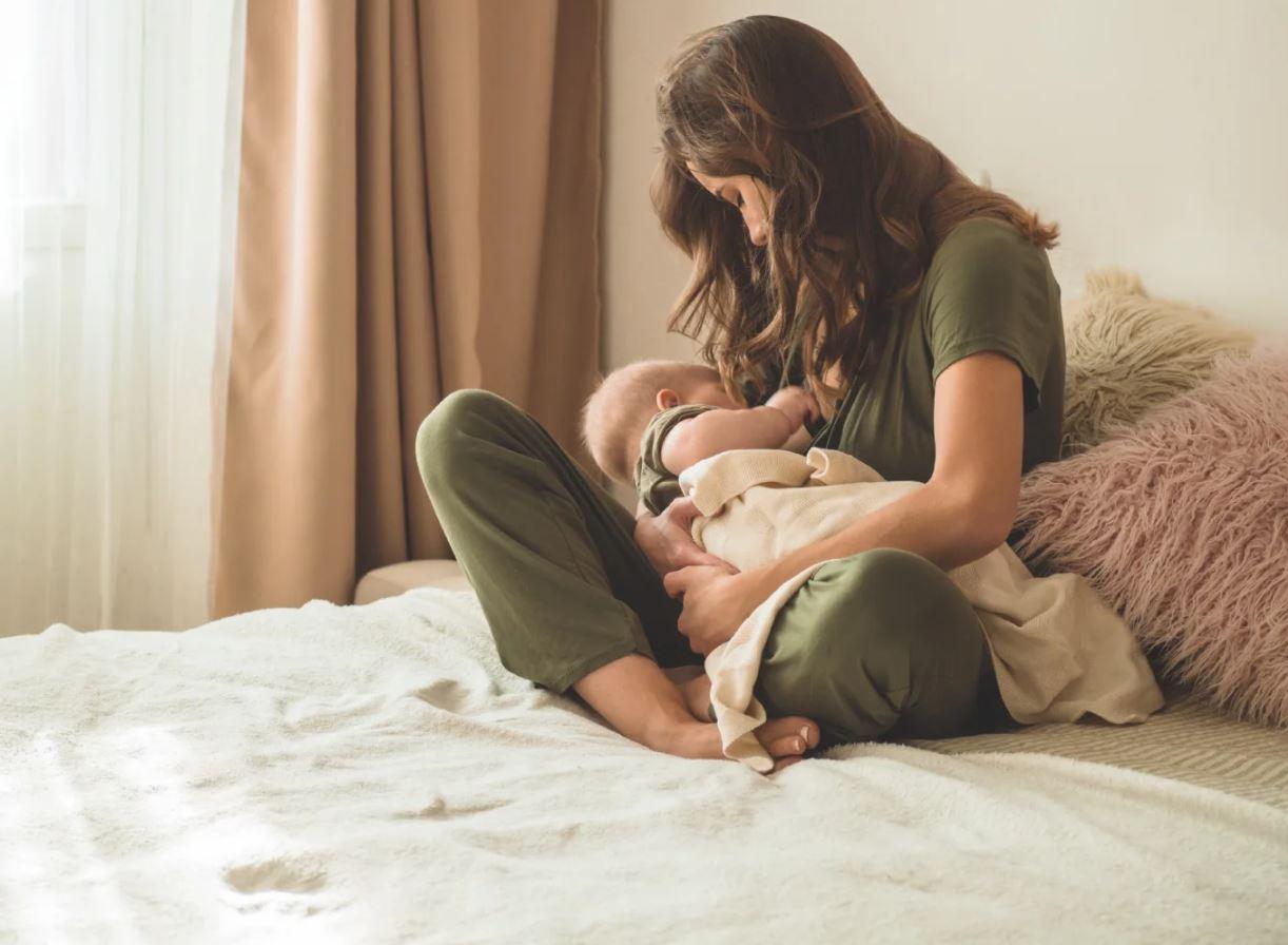 Bé bị chàm sữa-kiến thức cần biết của các mẹ bỉm sữa