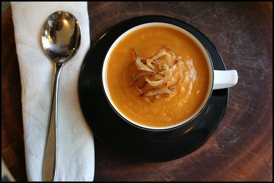 Cách làm súp gà khoai lang cho bé ăn dặm
