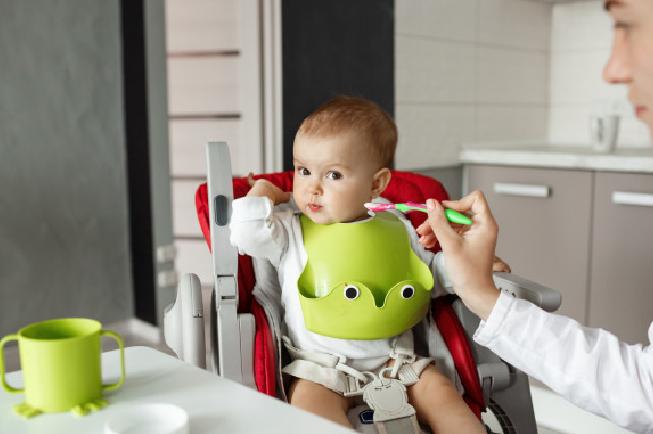 cách nấu bột ăn dặm cho bé 5 tháng tuổi