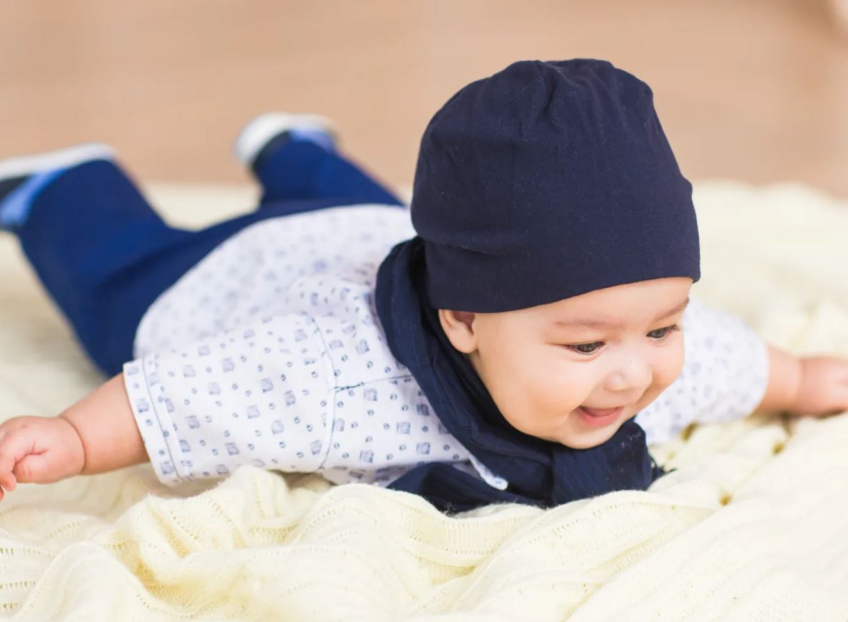 Cách mát xa cho bé 2 tháng tuổi để bé phát triển hơn