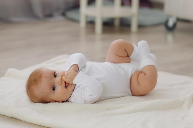 bé 6 tháng tuổi bao nhiêu kg