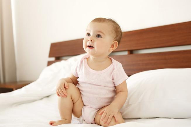 trẻ 7 tháng tuổi