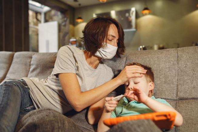 bé 1 tháng tuổi bị sốt