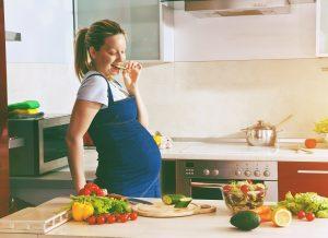 Ăn gì để kích thích chuyển dạ tại nhà an toàn và hiệu quả?