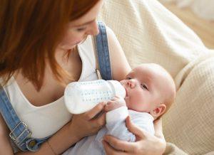 Bé 4 tháng bú ít – giải pháp nào dành cho mẹ?