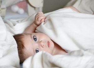Bé 6 tháng tuổi: Những điều mẹ cần lưu ý để bé phát triển tốt