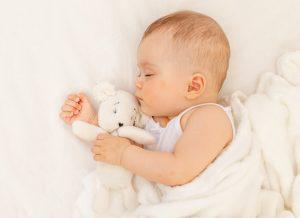 Bé 7 tháng ngủ bao nhiêu là đủ cho con phát triển toàn diện?
