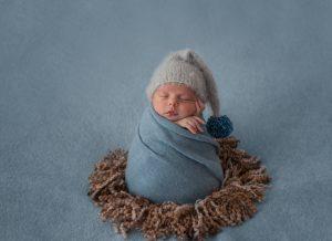 Tại sao bé 8 tuần tuổi bú ít? Mách mẹ nguyên nhân và cách khắc phục