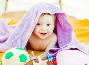 Bố mẹ mong chờ bé 9 tháng biết làm gì?