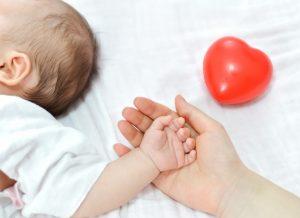 Hướng dẫn các mẹ cách xử lý khi bé bị hạch ở nách