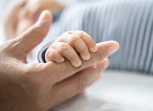 10 Nguyên nhân thường gặp khiến bé bị nổi mẩn đỏ