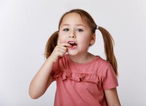 Bé thay răng và những điều thú vị mà mẹ nên biết