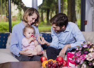 Tại sao mẹ nên lựa chọn bình sữa có van chống sặc cho bé?