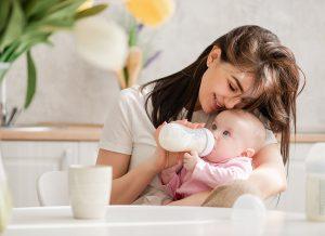 Tổng Hợp Các Loại Bình Sữa Và 4 Tiêu Chí Giúp Mẹ Lựa Chọn