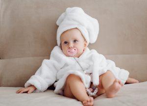 Các mẹ đã biết cách tắm cho trẻ sơ sinh đúng cách chưa?