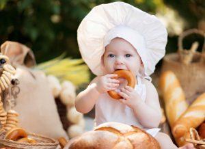 Cách tự làm bánh ăn dặm cho bé 2021