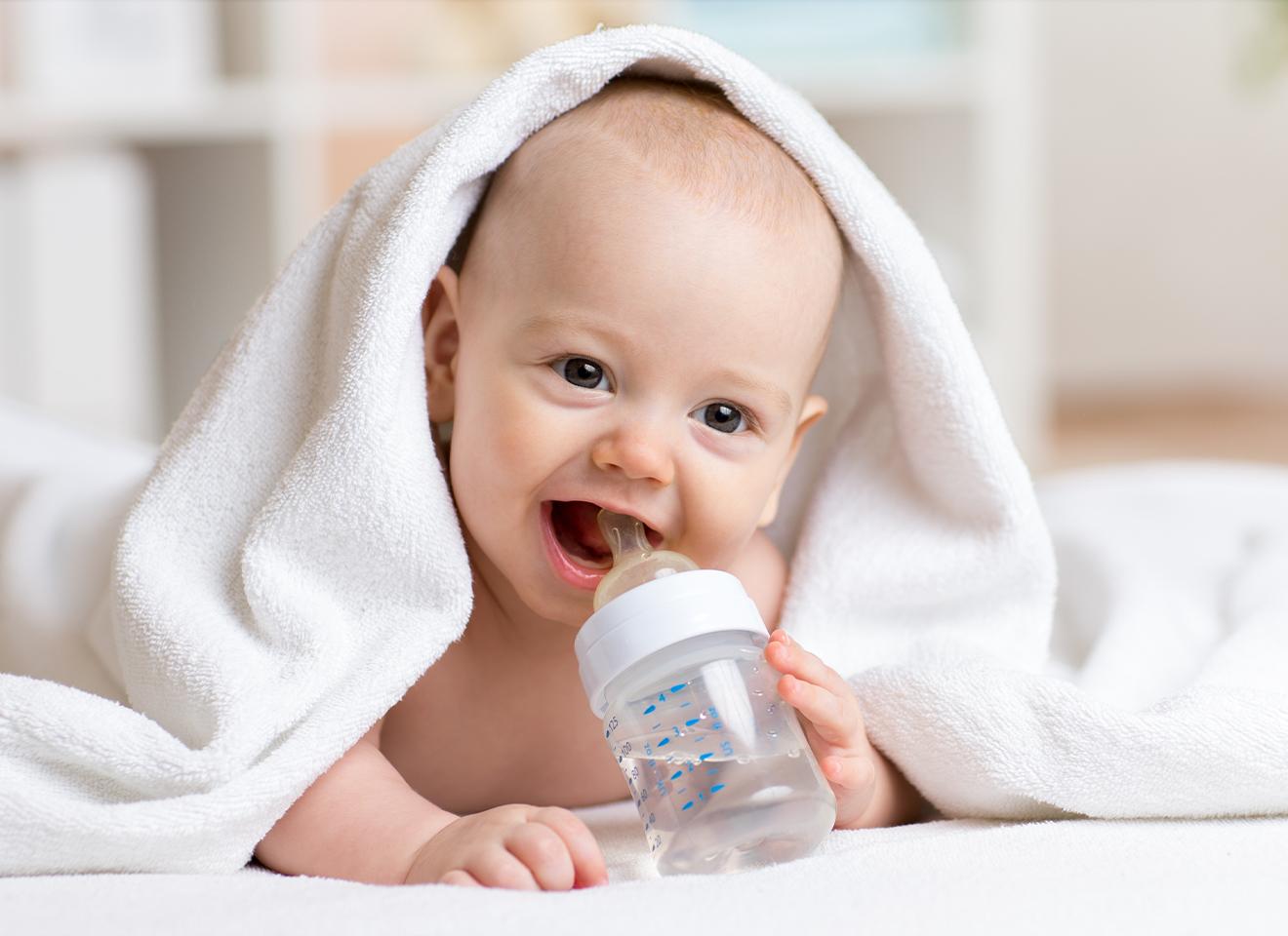 Cách vệ sinh bình sữa đảm bảo an toàn cho bé yêu