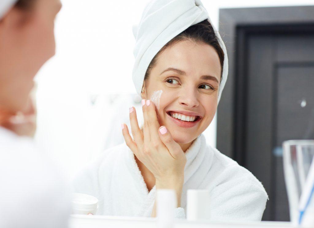 Những lưu ý về chăm sóc da khi mang thai ít mẹ biết