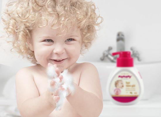 Hiểu về chất tạo bọt trong dầu gội để lựa chọn loại tốt cho da trẻ nhỏ