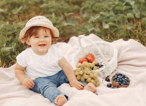 Cho bé ăn dặm lần đầu – Tips cực hay cho lần đầu bé ăn dặm