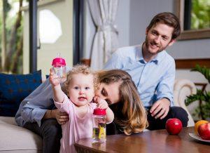 Chọn bình sữa cho bé bằng 4 tiêu chuẩn khoa học tối ưu nhất