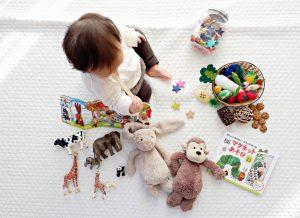 Cùng bắt tay tự làm đồ chơi cho bé 1 tuổi nào mẹ ơi!