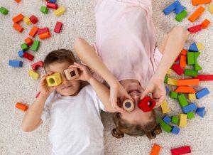 Nên chọn đồ chơi trí tuệ như thế nào cho bé?