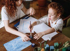 Những món đồ chơi tự làm cho bé mà mẹ có thể tự tay làm.