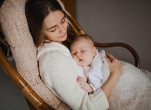 Giấc ngủ của trẻ sơ sinh và 3 mẹo mới nhất giúp mẹ dỗ bé ngủ ngon